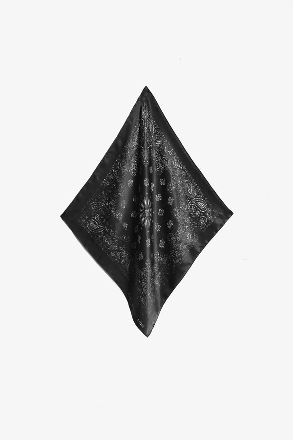 Silk Bandana - Rogue Network, Specialising in SEO and Google Web Optimisation, both organic and paid. Also specialising in Instagram and Facebook marketing.