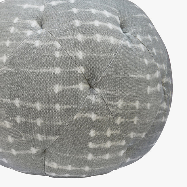 "20"" Round Pouf in Coco Grey"