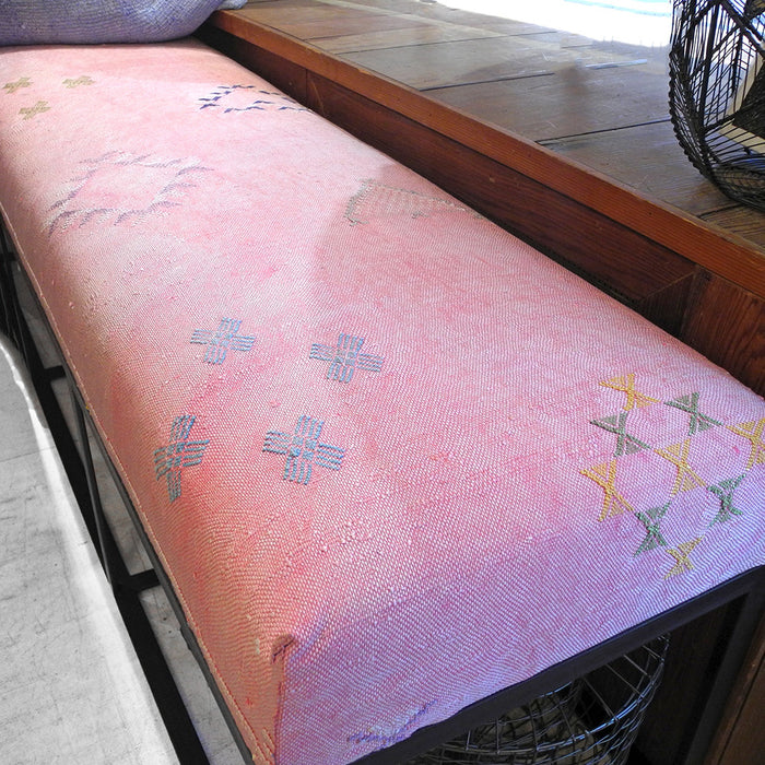 Floor Model Sale Cruz Bench, pink Moroccan rug