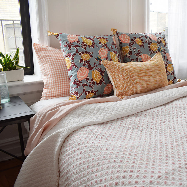 Ditsy Coral Quilt, queen