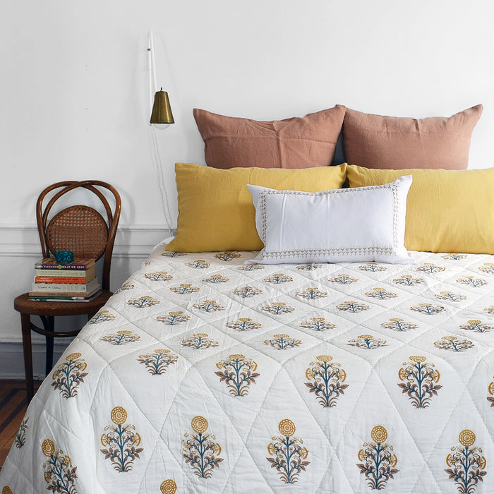 Kusum Gold Quilt, queen