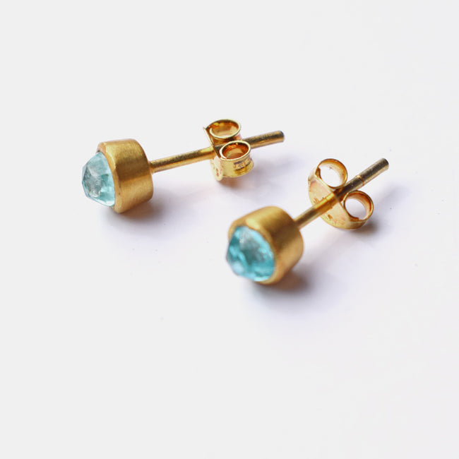 Gem Dot Studs, light blue apatite