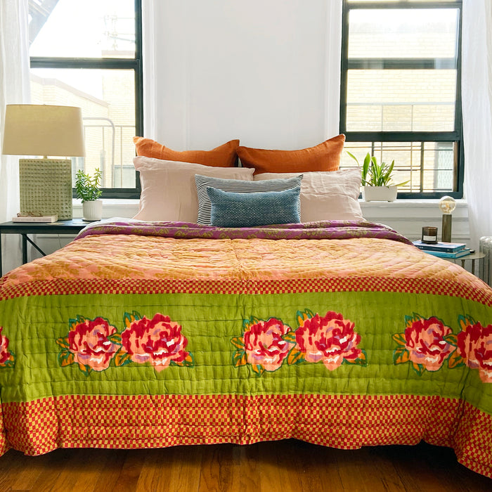 Double Peonia Acid Green Quilt, queen/king