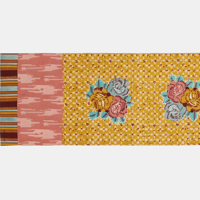 Paradise Garden Old Pink Table Runner