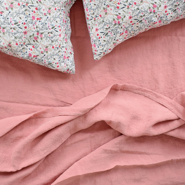 Linge Particulier Pink Flowers Standard Linen Pillowcase Sham with a pink linen sheet for a colorful linen bedding look in small floral pattern - Collyer's Mansion