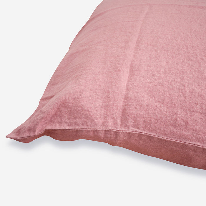 Linge Particulier Lychee Pink Standard Linen Pillowcase Sham for a colorful linen bedding look in deep old pink - Collyer's Mansion