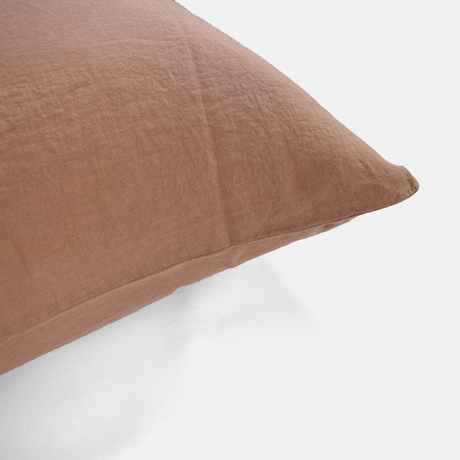 Linge Particulier Moka Standard Linen Pillowcase Sham for a colorful linen bedding look in earthy clay pink - Collyer's Mansion