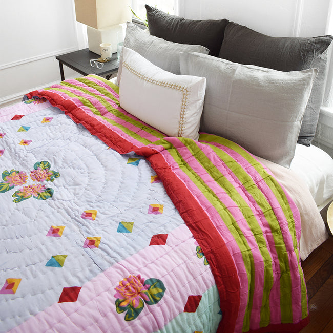 Ninphea Geometric Lilac Quilt, queen/king