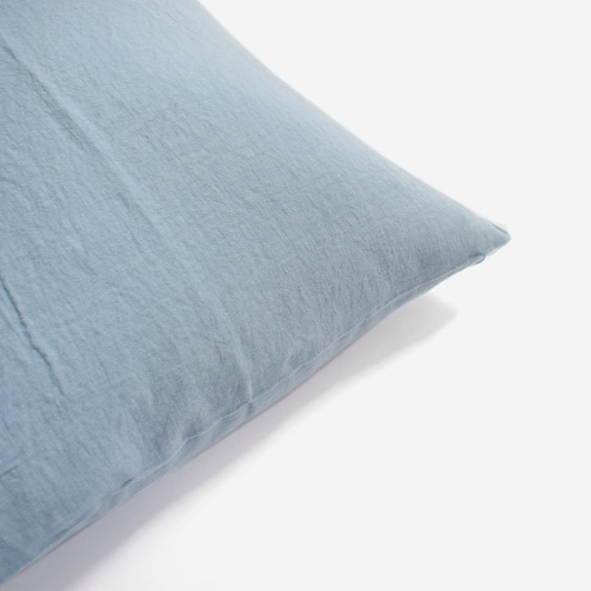 Linge Particulier Scandinavian Blue Standard Linen Pillowcase Sham for a colorful linen bedding look in grey blue - Collyer's Mansion