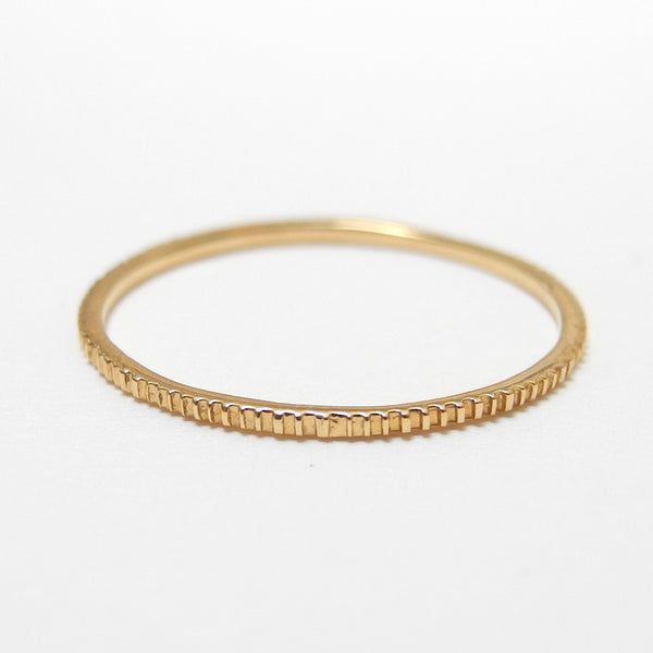 18k Gold Etched Ring