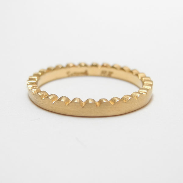 18k Gold Scallop Edge Ring