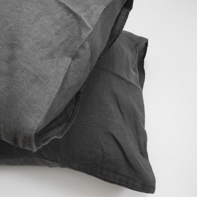 Linge Particulier Storm Grey Standard Linen Pillowcase Sham for a colorful linen bedding look in charcoal grey - Collyer's Mansion