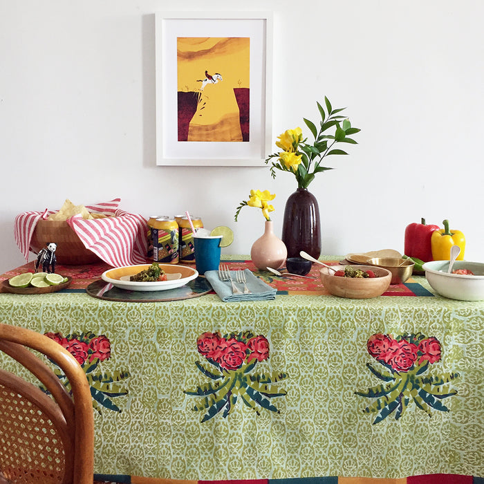 Jungle Banano Geranium Tablecloth