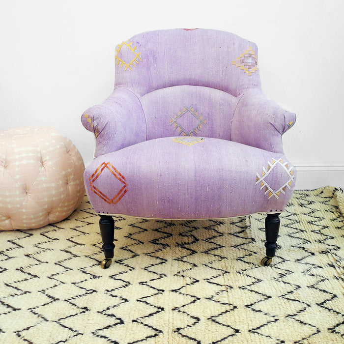 Floor Model Sale: Tulip Chair, purple Moroccan rug