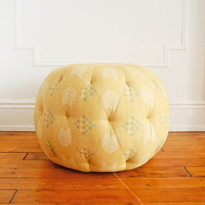 "Floor Model Sale 26"" Round Pouf, farrah wheat"