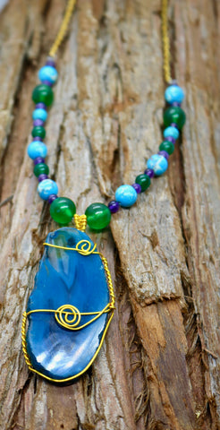 """Dreaming of Aurora Borealis"" Agate Beaded Pendant"