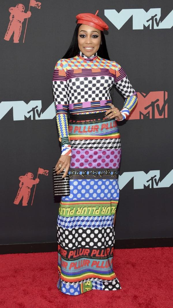 Monica Carries 'Rodeo Clutch' to The MTV Video Music Awards in New Jersey