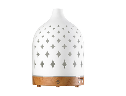 Diffuser, ceramic and wood