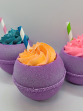 Load image into Gallery viewer, sugar rush bath bomb