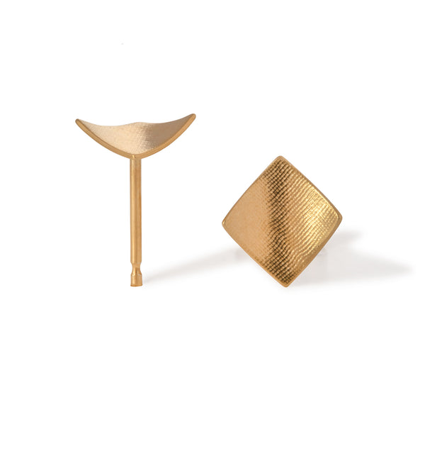 Point 4 Stud - Square Curved, Gold