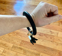 Load image into Gallery viewer, Keychain Bangle