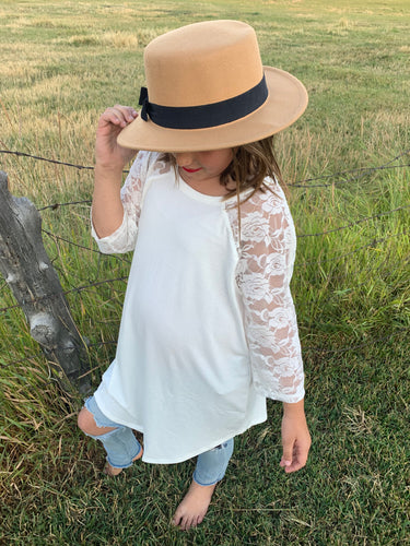 Lila  - Lace Blouse