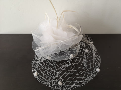 L&I Basic Fascinator with net White