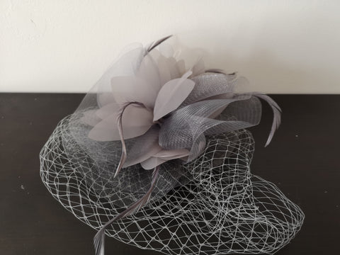 L&I Basic Fascinator with net Grey