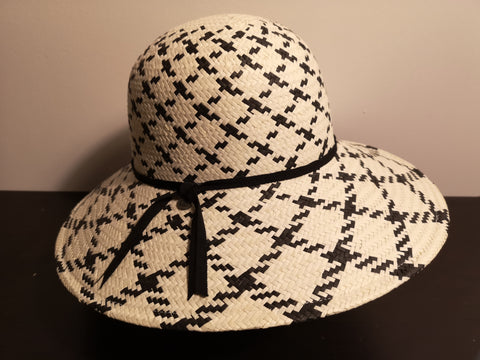 Canadian Hat Ava Ogilvie White/Black