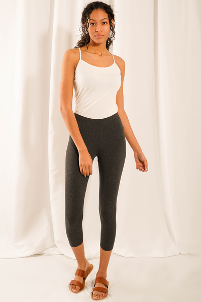 LNBF Suri Legging in Capri Length - Charcoal