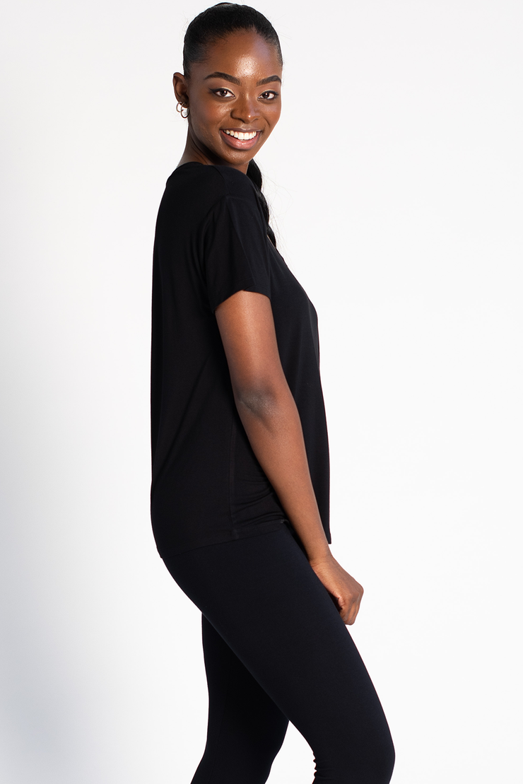 Becca Relaxed Fit V Neck - Black