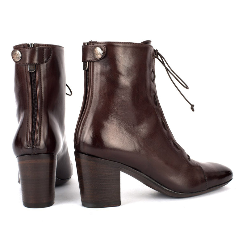 AMINA 58040<br>Brown lace-up boots