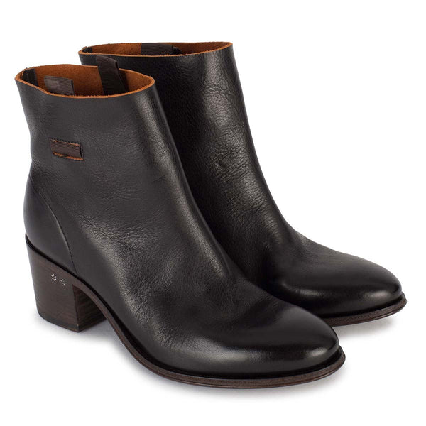 BRENDA 60008<br>Black ankle boots