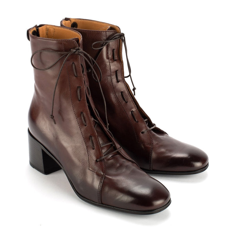 WINDY 50026<br>Brown lace-up boots