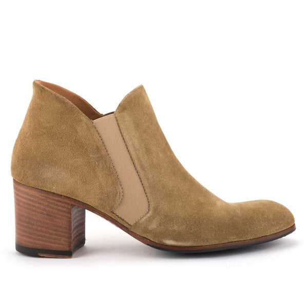XENIA 52025<br>Light brown ankle boots