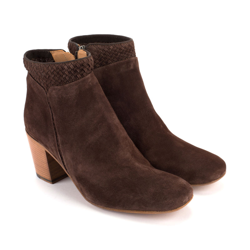 ZOE 56016<br>Reverse calfskin ankle boots