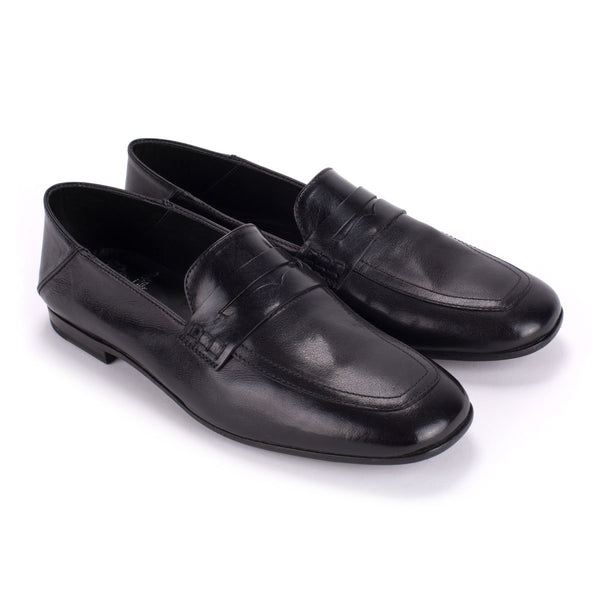 ZOE 56043<br>Black kangaroo loafer