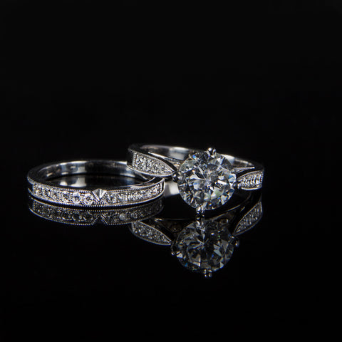 Round Brilliant Wedding Band & Engagement Ring Set