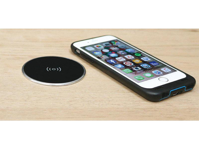 Wireless Surface Charger Set, with UK USB Plug Black with silver rim