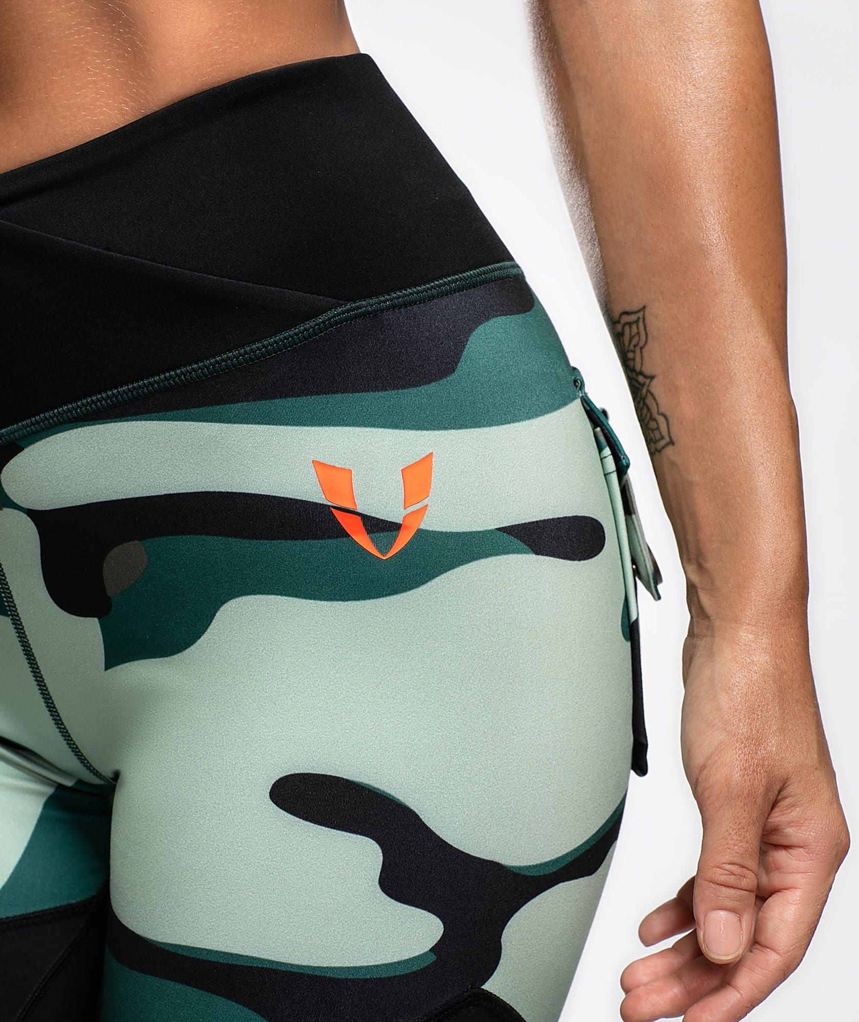 Camo Cargo Leggings - Firm Abs Fitness