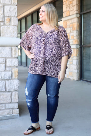 Curvy Animal Print ¾ Sleeve V-Neck Top
