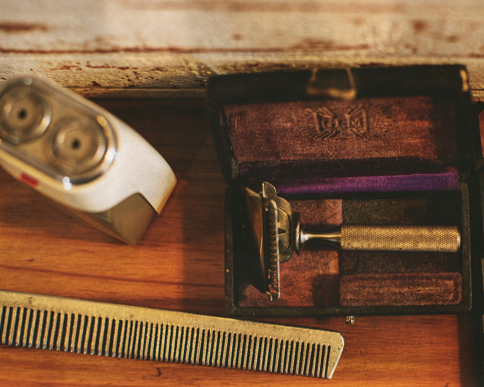 4 Reasons Why Men Should Want a Shaving Kit
