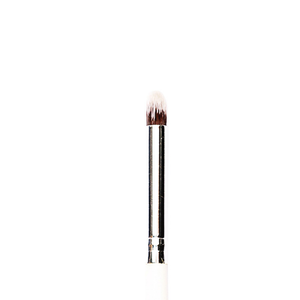 P08 - Small eyeshadow blending brush