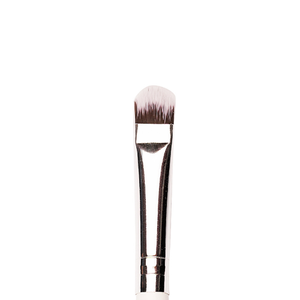 P18 - Eyeshadow Application Flat Brush (Medium)