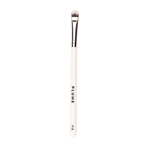 P18 - Eyeshadow Application Flat Brush (Medium) - Plume Beauty