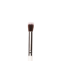P21 - Flat Top Concealer Brush - Plume Beauty