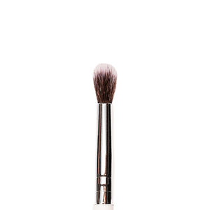 P24 - Medium Tapered Eyeshadow Blending Brush