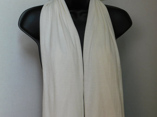 Winter White Scarffie with PocketSleeves