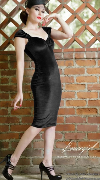 Black-Velvet-1950s-Pencil-Dress