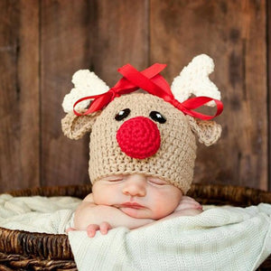 Adorable little reindeer caps to keep babies warmer. Merry Christmas!
